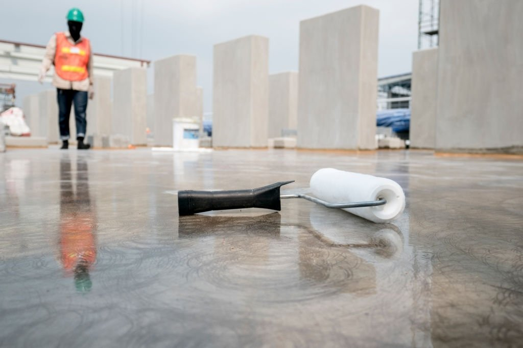 Epoxy paint flooring for water proof protection
